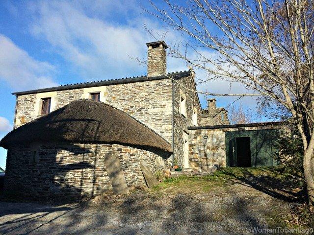 casa-el-cebreiro-womantosantiago-camino-de-santiago-frances