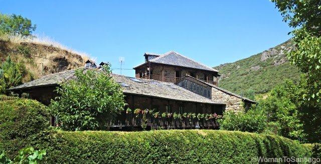 foto de casas en el camino de santiago
