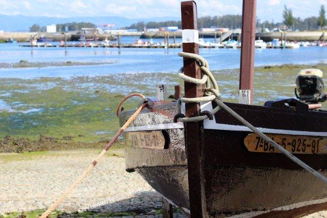 cambados-barca-pescadores-martin-codax.jpg