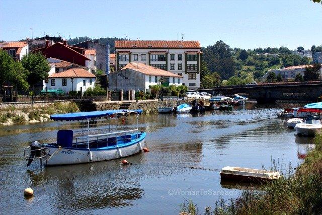 betanzos-camino-de-santiago-ingles-barcas