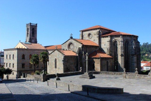 betanzos-iglesia-san-francisco-camino-de-santiago-ingles-womantosantiago