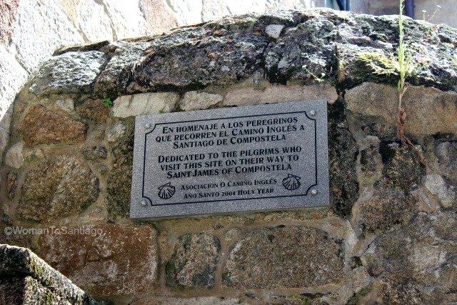 iglesia-de-santiago-a-coruna-homenaje-peregrinos-camino-de-santiago-ingles