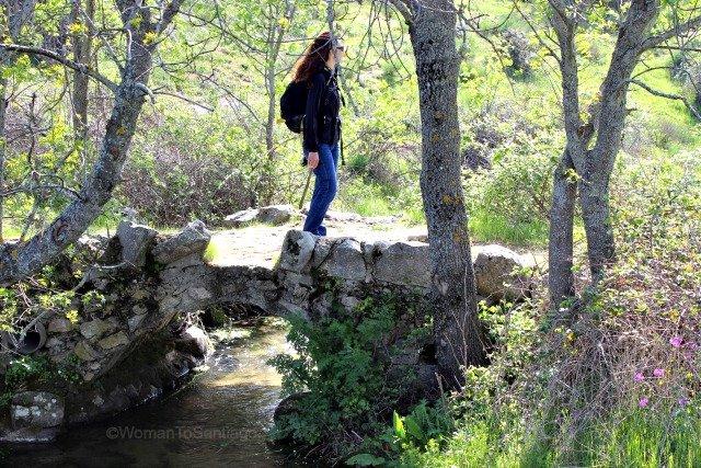 foto de puente y womantosantiago