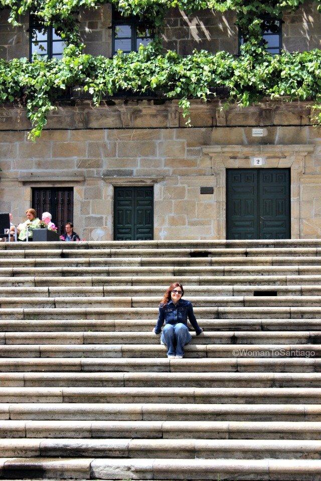 santiago-de-compostela-camino-de-santiago-plaza-quintana-escalinata