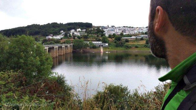 portomarin-encoro-belesar-jan-camino-de-santiago-taller-del-camino-womantosantiago