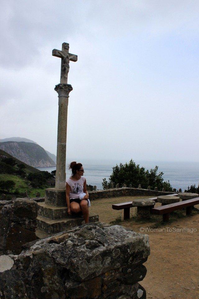 cruceiro-san-andres-de-teixido-cedeira-camino-del-mar-womantosantiago