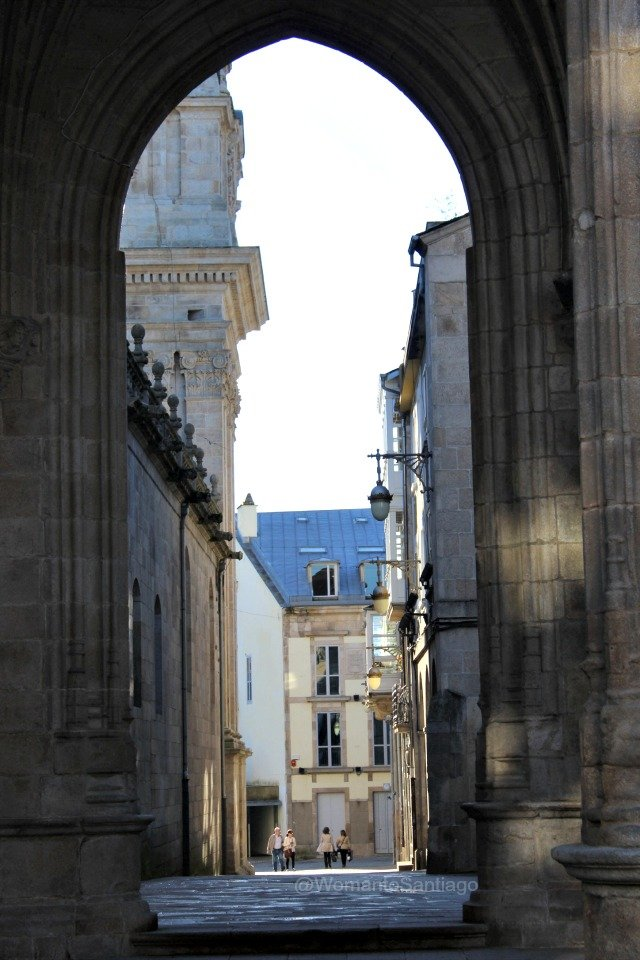 foto del arco de la catedral