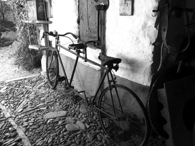 foto de bicicleta en castrillo de los polvazares