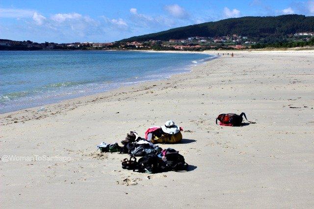 playa-langosteira-camino-de-santiago-fisterra-mochilas