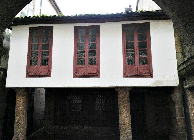 foto de casa de santiago de compostela