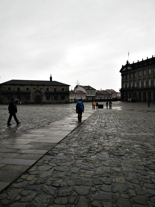 foto de peregrino en la plaza del obradoiro