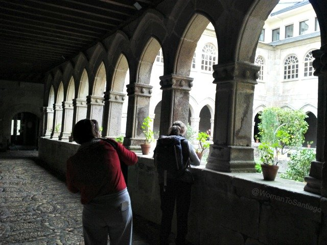 foto claustro maria magdalena en sarria