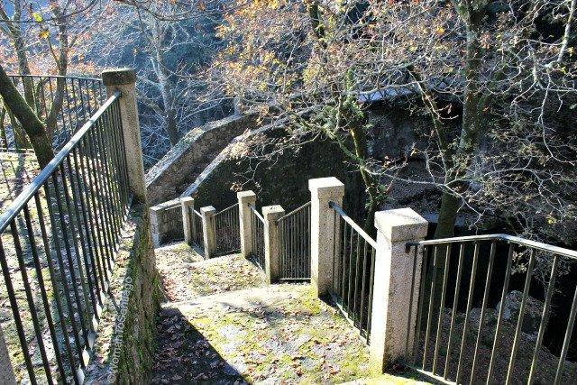 foto escaleras del puente
