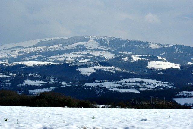 foto de montanas nevadas