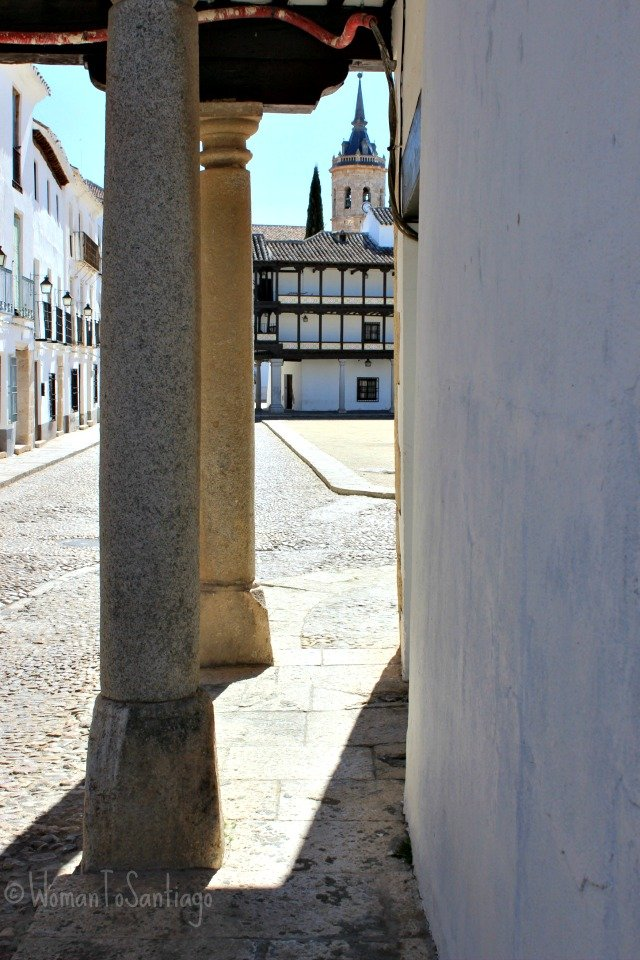 foto plaza e iglesia