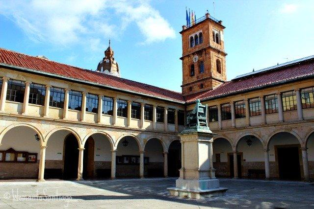 foto de universidad de oviedo