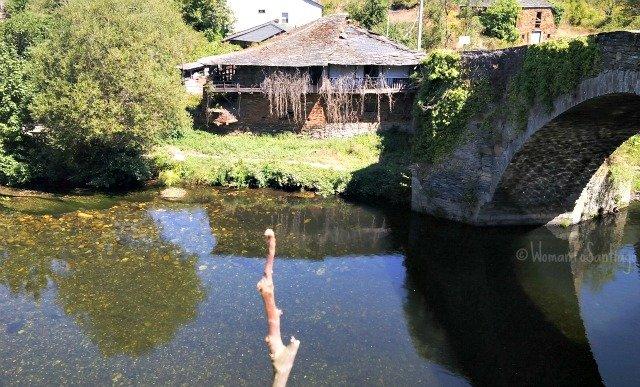 foto del rio y puente