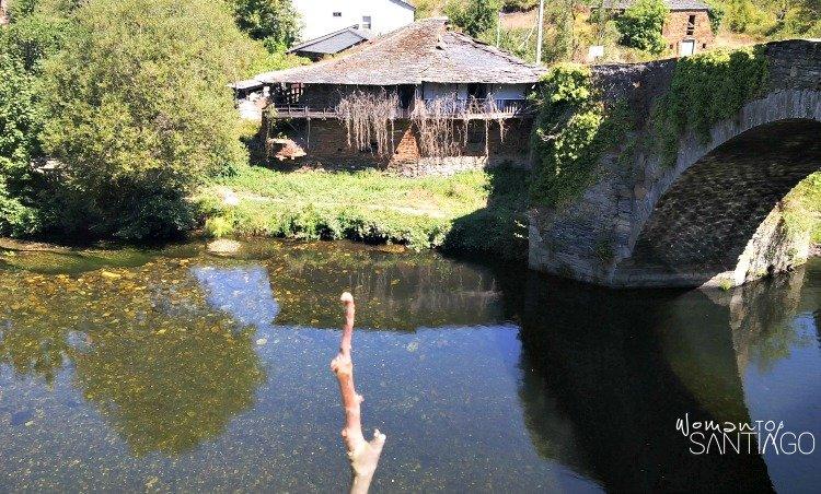 foto de puente medieval