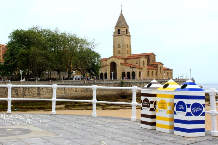 foro de iglesia cerca del mar