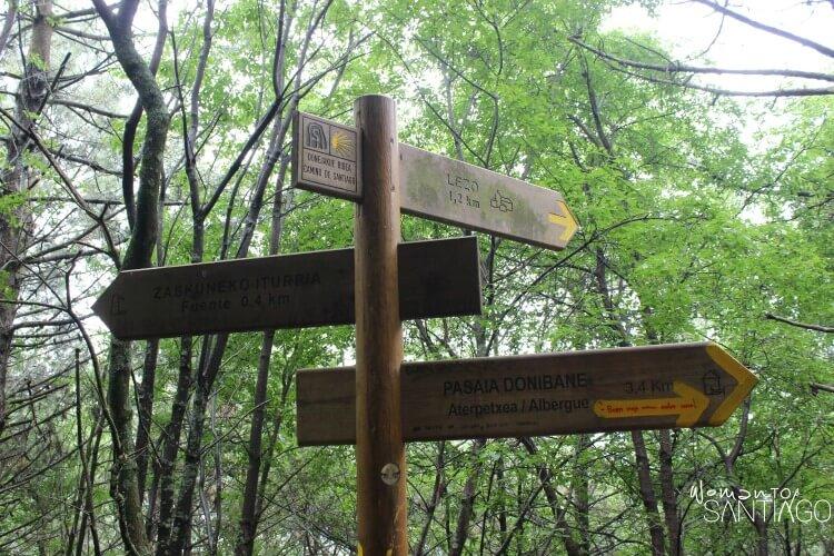 flechas del camino del norte apuntando en varias direcciones
