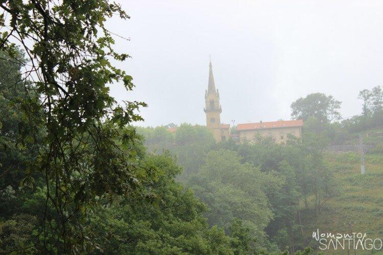 foto de la ermita de guadalupe en un día nublado
