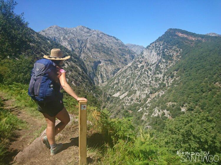 peregrina en la montaña