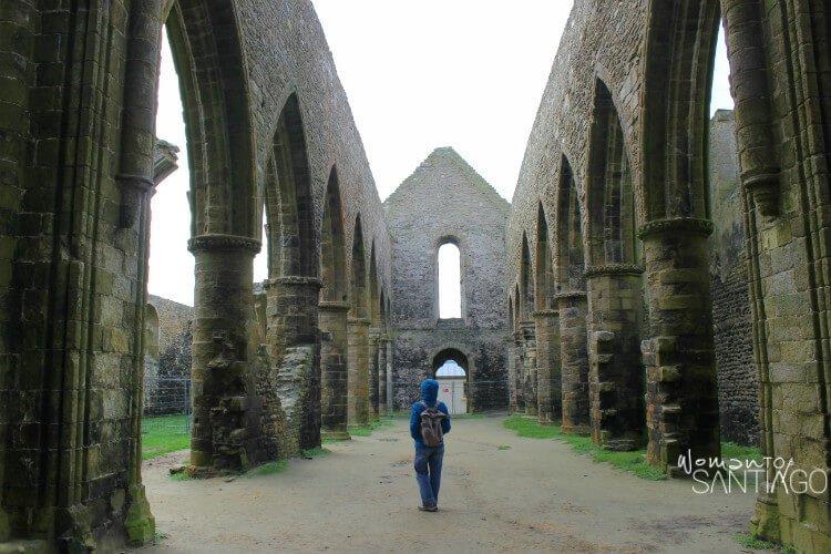 Ruinas de la abadía benedictina