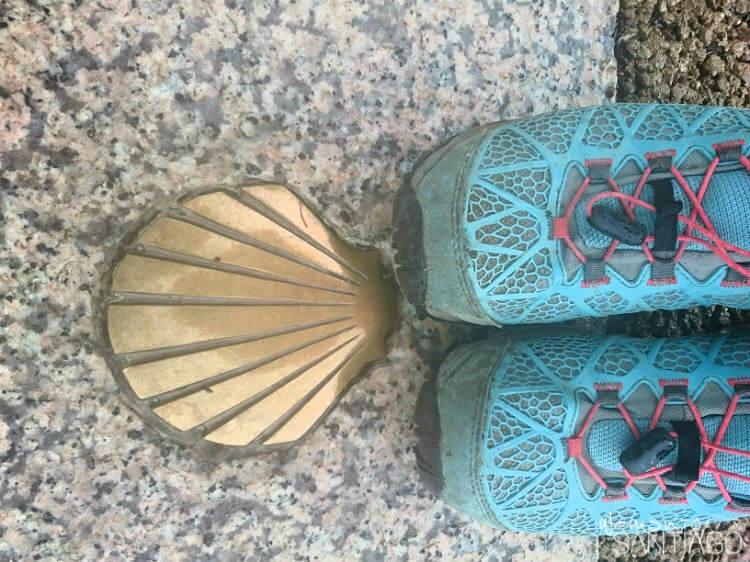 zapatillas para hacer el camino con concha