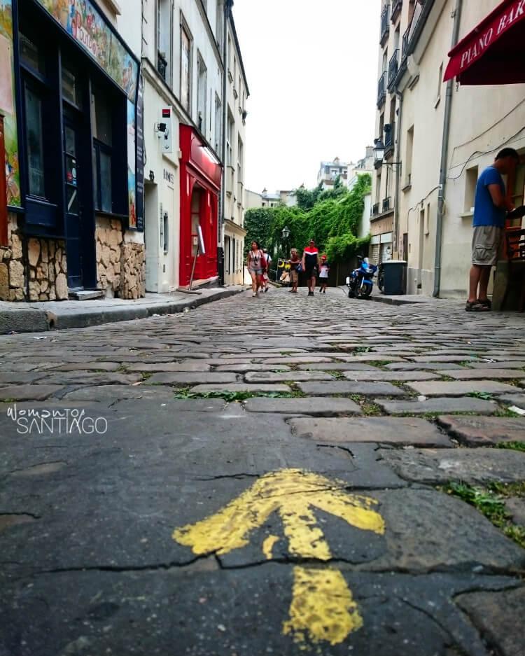 Flecha del Camino en Montmartre, París