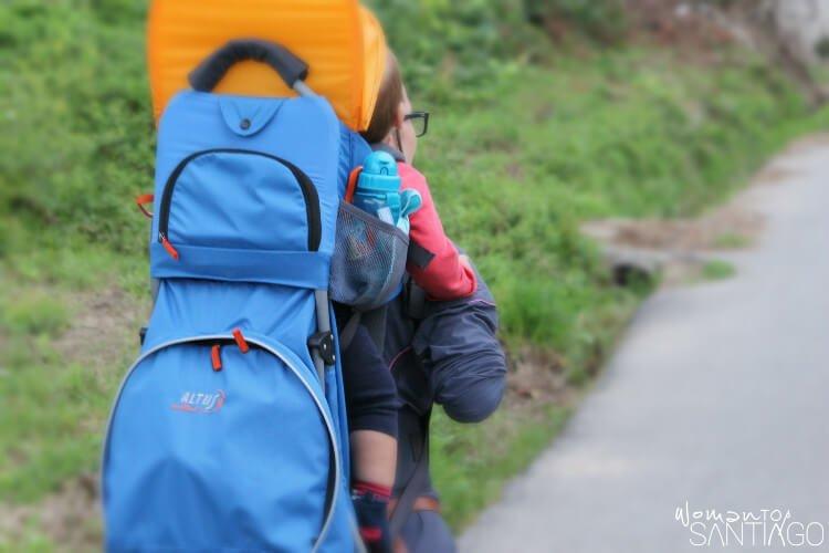 noelia y su hijo en el camino