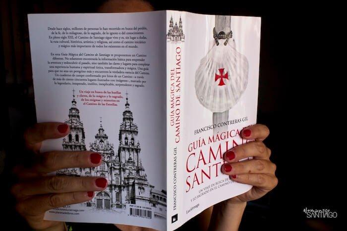 guía mágica del camino de Santiago cubierta