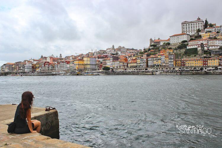 Vistas de Oporto desde la orilla del Duero