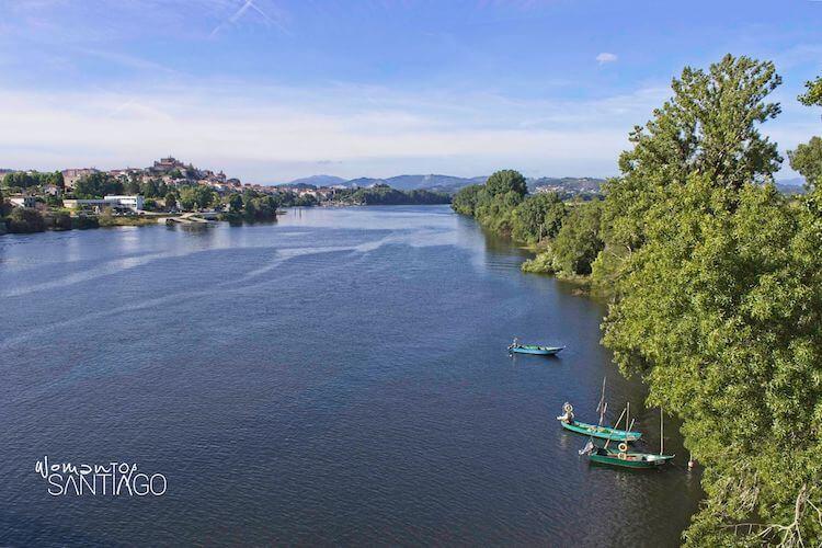 Vistas de Tui desde el Puente Internacional