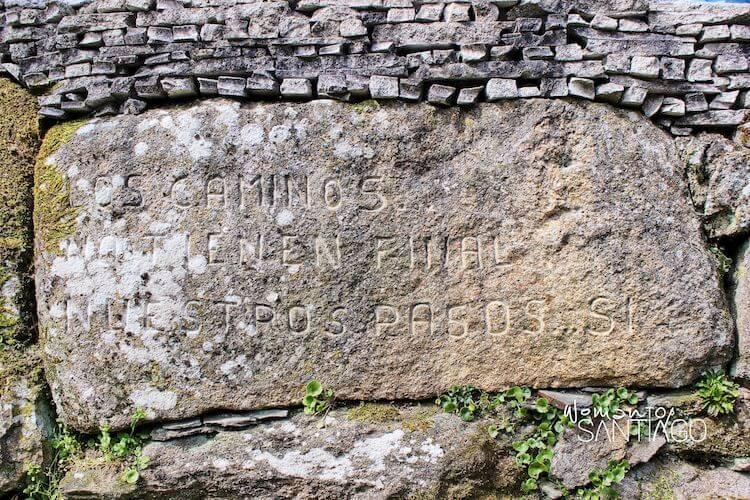 piedra grabada con inscripción