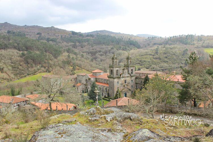 Vistas del Monasterio de Oseira desde el Camino Sanabrés