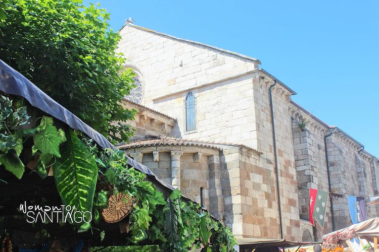 Mercado en la Iglesia de Santiago (A Coruña)