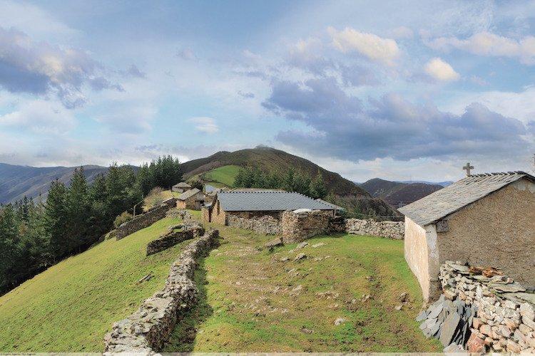 Ermita de Santiago en Montefurado